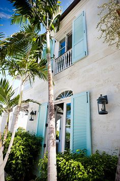 Exterior House Colors Florida Palm Trees 49 Ideas For 2019 Beach Cottage Style, Beach House Decor, Coastal Style, Coastal Colors, Coastal Homes, Coastal Living, Exterior House Colors, Exterior Design, Florida Palm Trees