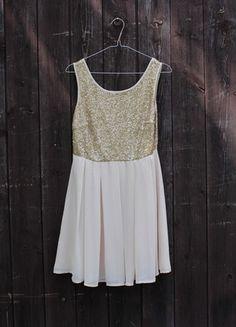 Kup mój przedmiot na #vintedpl http://www.vinted.pl/damska-odziez/krotkie-sukienki/13808415-kremowa-zlota-sukienka-zwiewna-cekiny