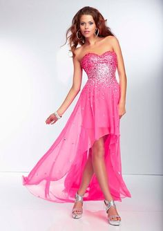 Style YAZIZ Ombre Beaded Bodice with a Hi-Lo Chiffon Skirt  Zipper Back. Colors Available: Neon Pink, Red Hot, Black, Royal. Sizes Available: 0-24.  Precio :$1.119.250 Pesos Colombianos Precio : $ 621 Dolares Americano