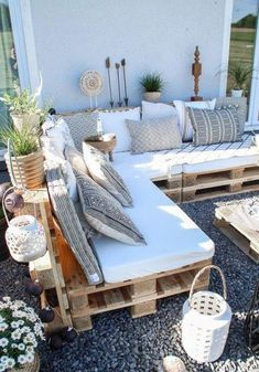 After 5 years it is finally here - the pallet lounge - lady-stil.de - Build your own pallet lounge, decorating ideas for the terrace and garden, Best Picture For decor - Decor, Pallet Diy, Pallet Garden Furniture, Sofa Design, Pallet Sofa, Furniture, Pallet Furniture Outdoor, Pallet Lounge, Backyard Decor