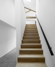 230 Chapel Street, Melbourne by Coy & Yiontis. Photography by Peter Clarke. Foyer Staircase, Entryway Stairs, Wooden Staircases, House Stairs, Stairways, Cute Home Decor, Home Decor Styles, Interior Stairs, Interior And Exterior