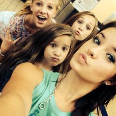 Paige, Mackenzie, Maddie and Brooke at the airport