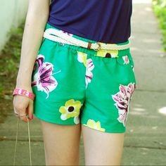 """J. Crew Punk Floral Shorts J. Crew Punk Floral Shorts. -100% Cotton. -Sits just above hip. -3"""" inseam. -Elastic waistband. -Slant pockets. -Like new!! *Cover photo from shellchicd.com  NO Trades. Please make all offers through offer button. J. Crew Shorts"""