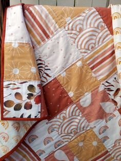 Quilting Projects, Quilting Designs, Sewing Projects, Baby Boy Quilts, Girls Quilts, Rainbow Quilt, Strip Quilts, Baby Crafts, Quilt Patterns