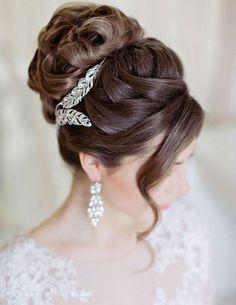 Wedding hairstyle idea; Featured Photographer: Liliya Fadeeva, Featured Hairstyle: Websalon Wedding, Via Deer Pearl Flowers
