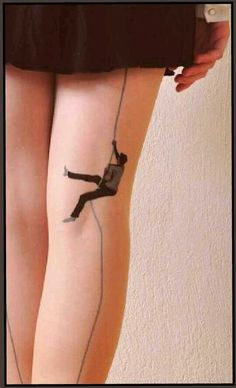 Body Art Inspired by Street Art - HOW FUNNY IS THIS, OUI !! - HILARIOUS!! (very clever!!) ✳✳✳