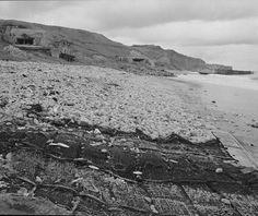 Le point d'appui codé WN 72 dans la descente de Vierville-sur-Mer. Ce point d'appui causa d'énormes pertes à la compagnie A du 116 Infantry Regiment de la 29 US DI. La compagnie A fut décimée à 90% Normandy Ww2, D Day Normandy, Normandy Beach, Les Cents, D Day Landings, Jeep Liberty, June 6th, Military Diorama, Bunker