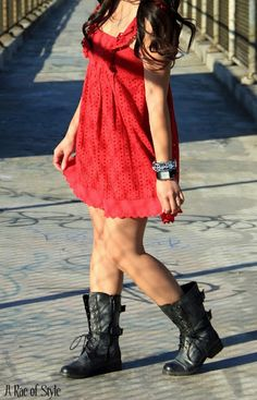 I'm loving my combat boots lately, can't wait to pair it with a cute sundress... gotta do it before the crazy summer heat