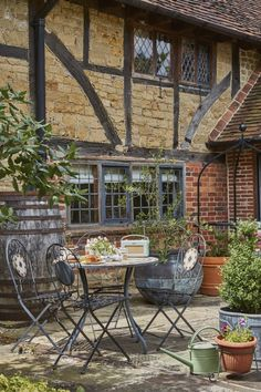 Luxury self-catering manor house nr Shamley Green in the Surrey Hills