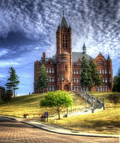 This building was originally known as Crouse Memorial College for Women now known as Crouse College on Syracuse University Campus by Babylon and Beyond Photography Syracuse New York, Syracuse University, Upstate New York, University Life, Mid Atlantic States, College Campus, College Soccer, Great Places, Amazing Places