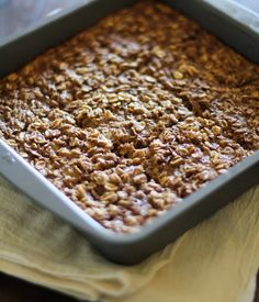 Banana Bread Baked Oatmeal (gluten free and naturally sweetened) - - - > http://www.theroastedroot.net