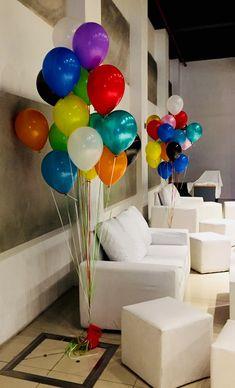 Racimos de globos de helio para dar color a cualquier evento. En este caso, un evento empresarial :) Balloons, Helium Balloons, Birthday Balloons, Mexican Party, Globes