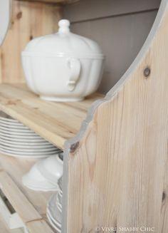 Vivre Shabby Chic: Restyling di una credenza IKEA.
