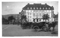 Sør-Trøndelag fylke Trondheim  TRONDHJEM, Torvet. Uvanlig kort med hesteskyss og dobbelttrikk bl.a. vogn nr. 21 tidlig 1900-tall