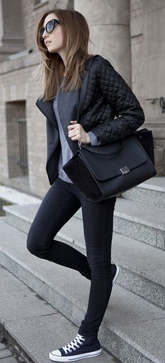 Love this casual all black look. Perfect for spring or fall!