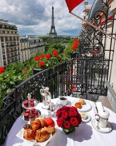 The Eiffel Tower, Paris, France The Places Youll Go, Places To Go, Kids Places, Plaza Athenee Paris, Places To Travel, Travel Destinations, Ville France, Belle Villa, Travel Aesthetic