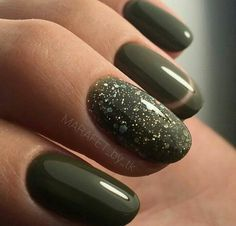 57 Ideas Nails Acrylic Coffin Short Green For 2019 Trendy Nails, Cute Nails, Pretty Gel Nails, Nail Deco, Olive Nails, Emerald Nails, Short Gel Nails, Manicure Y Pedicure, Winter Nail Designs