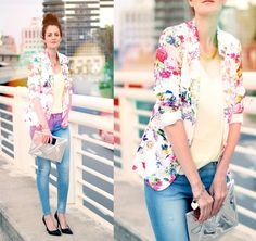 Swap out your basic blazers for something with a fresh floral vibe to channel Summer's trends, even when you're dressed-down in denim. Love Fashion, Spring Fashion, Fashion Outfits, Womens Fashion, Street Style Summer, Street Style Looks, Floral Blazer, Floral Jacket, Look Blazer