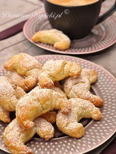 Croissants with prune Polish Recipes, Polish Food, Xmas Cookies, Bread And Pastries, American Food, Dessert Recipes, Desserts, Pretzel Bites, Doughnut