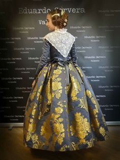 Trajes 18th Century Dress, Folk Clothing, Fantasy Gowns, Folk Costume, Historical Costume, Churros, Regional, Baroque, Ball Gowns