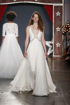 http://www.vogue.com/fashion-shows/bridal-spring-2018/jenny-packham/slideshow/collection