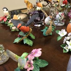 A whole aviary of bird miniatures. Come on Spring! at our upcoming See link in bio for location and schedule. Franklin Mint, Schedule, Porcelain, Auction, Miniatures, Bird, Table Decorations, Spring, Plants