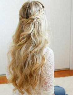 Irresistible Wedding Hairstyles for Long Hair to Look Magnificent on Your Very Special Day Veil Hairstyles, Long Bob Hairstyles, Wedding Hairstyles For Long Hair, Elegant Hairstyles, Hairstyles With Bangs, Hairstyles 2018, Hair Wedding, Medium Hair Styles, Natural Hair Styles