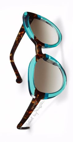 I like being the girl in the room with the chic eye wear. Regilla ⚜ Louis Vuitton