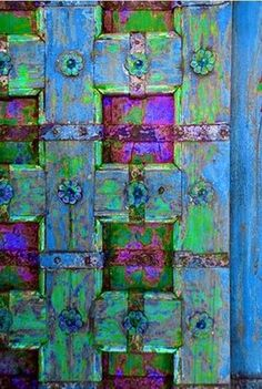 fabulous and energizing colors - blue periwinkle greens . plus fab architecture! Paint something in the garden this way! Cool Doors, Unique Doors, When One Door Closes, Door Detail, Graffiti, Knobs And Knockers, Painted Doors, Closed Doors, Green And Purple