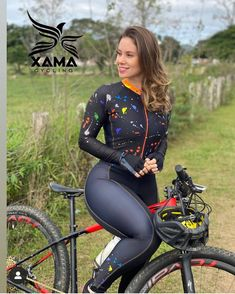 Sporty Girls, Sporty Outfits, Girls Fashion Clothes, Clothes For Women, Female Cyclist, Cycling Girls, Athletic Models, Bicycle Girl, Cycling Outfit