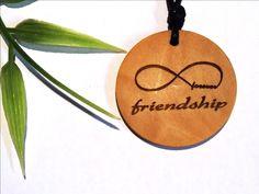 wooden necklace pendant endless friendship- Holzschmuck endlose Freundschaft