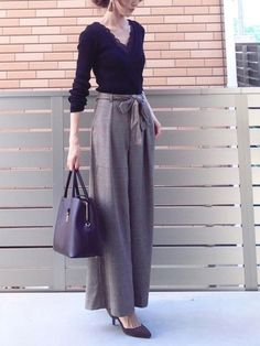 New Style Inspiration Summer Edgy Ideas Korean Fashion, Trendy Fashion, Boho Fashion, Womens Fashion, Winter Fashion Outfits, Fashion Pants, Mom Outfits, Fall Outfits, Evening Skirts