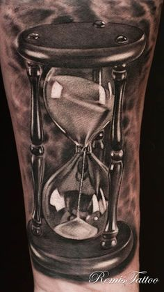 Remis Tattoo - I would give ANYTHING for this guy to work on me!