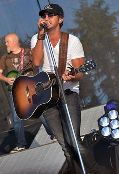 Luke Bryan (Country Thunder, 2012) http://www.gactv.com/gac/home/article/0,3013,GAC_26057_6053055_13,00.html?soc=pinterest