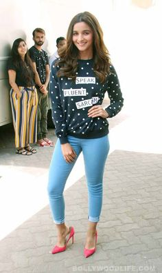 Here's a compilation of 11 best ensembles donned by Alia Bhatt during the promotions of Kapoor and Sons that also stars Fawad Khan and Sidharth Malhotra. - A quick look at Alia Bhatt's CHICEST ensembles during Kapoor and Sons promotions! Bollywood Fashion, Bollywood Actress, Bollywood Style, Dresses For Teens, Nice Dresses, Kapoor And Sons, Aalia Bhatt, Alia Bhatt Cute, Alia And Varun