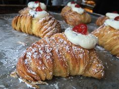 Lobster tail freshly filled! Italian Biscuits, Italian Home, Lobster Tails, Pastries, Sausage, French Toast, Homemade, Cookies, Breakfast