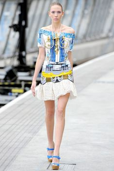 Mary Katrantzou Spring 2011 Ready-to-Wear Fashion Show - Hildie Gifstad