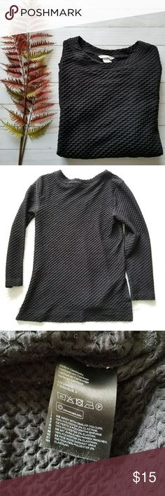 "H&M Black Textured Shirt!! Black waffle textured long sleeve shirt with side slits by H&M. Size Small. Pre-loved and in great condition. Normal wear. Some lint/fibers. 25"" shoulder to hem, 16"" pit to pit, 16.5"" pit to hem of sleeve. Comes from a smoke-free pet-free home. Fast shipping! NO TRADES! H&M Tops"