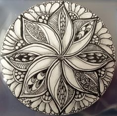 The Zenned Pen: Zendala by Lisa Heron, Certified Zentangle Teacher CZT Doodles Zentangles, Tangle Doodle, Tangle Art, Zentangle Drawings, Zen Doodle, Doodle Drawings, Doodle Art, Doodle Patterns, Zentangle Patterns