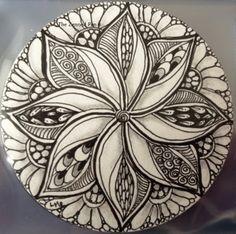 The Zenned Pen: Zendala by Lisa Heron, Certified Zentangle Teacher CZT Doodles Zentangles, Tangle Doodle, Tangle Art, Zentangle Drawings, Mandala Drawing, Doodle Drawings, Mandala Art, Doodle Art, Zen Doodle
