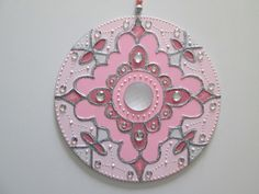Mandala Canvas, Mandala Painting, Rosa Mandala, Cd Recycle, Old Cd Crafts, Mandela Art, Recycled Cds, Cd Design, Donut Decorations
