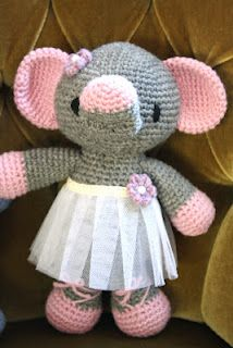 I want to make this for the first kid that Debbie has, as she loves elephants