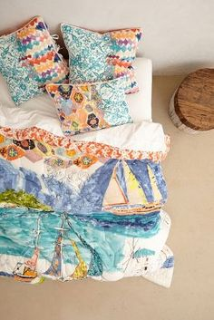 Sleeping on a watercolor // #anthropologie #bedding