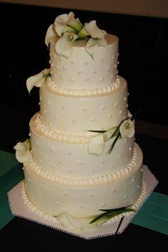 Wedding cake with cala lillies