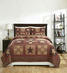 Primitive Star Red Quilt and Sham Bedding Set Plum Bedding, Star Bedding, Quilt Bedding, Farmhouse Bedding Sets, Country Bedding, Farmhouse Quilts, King Quilt Sets, Queen Quilt, Country Style Homes