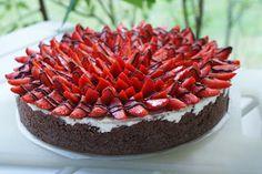 Monalisa´s cakes: Mansikkainen sitruunajuustokakku mittumaariksi