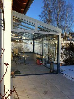 Moderne Terrassenüberdachung in Aluminium  #Terrassenüberdachung #Sommergarten #Glasschiebetüren #Sunflex #Seitenteile #Wintergarten