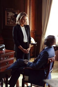 Madame Secretary... Can You Say Body Language?? Power and brains.