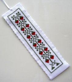 Antique Strawberries bookmark.  Unknown. Cat Cross Stitches, Cross Stitch Books, Cross Stitch Bookmarks, Counted Cross Stitch Patterns, Diy And Crafts, Projects To Try, Mexicans, Embroidery, Crossstitch