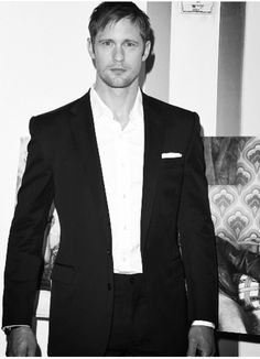 Alexander Skarsgård, Men's Style, Sexy Men, Hot Guys, Suit Jacket, Actors, Blazer, Mens Fashion, Beautiful
